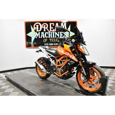 2017 KTM 390 Duke  Dream Machines of Texas 2017 KTM 390 Duke  5361 Miles Black
